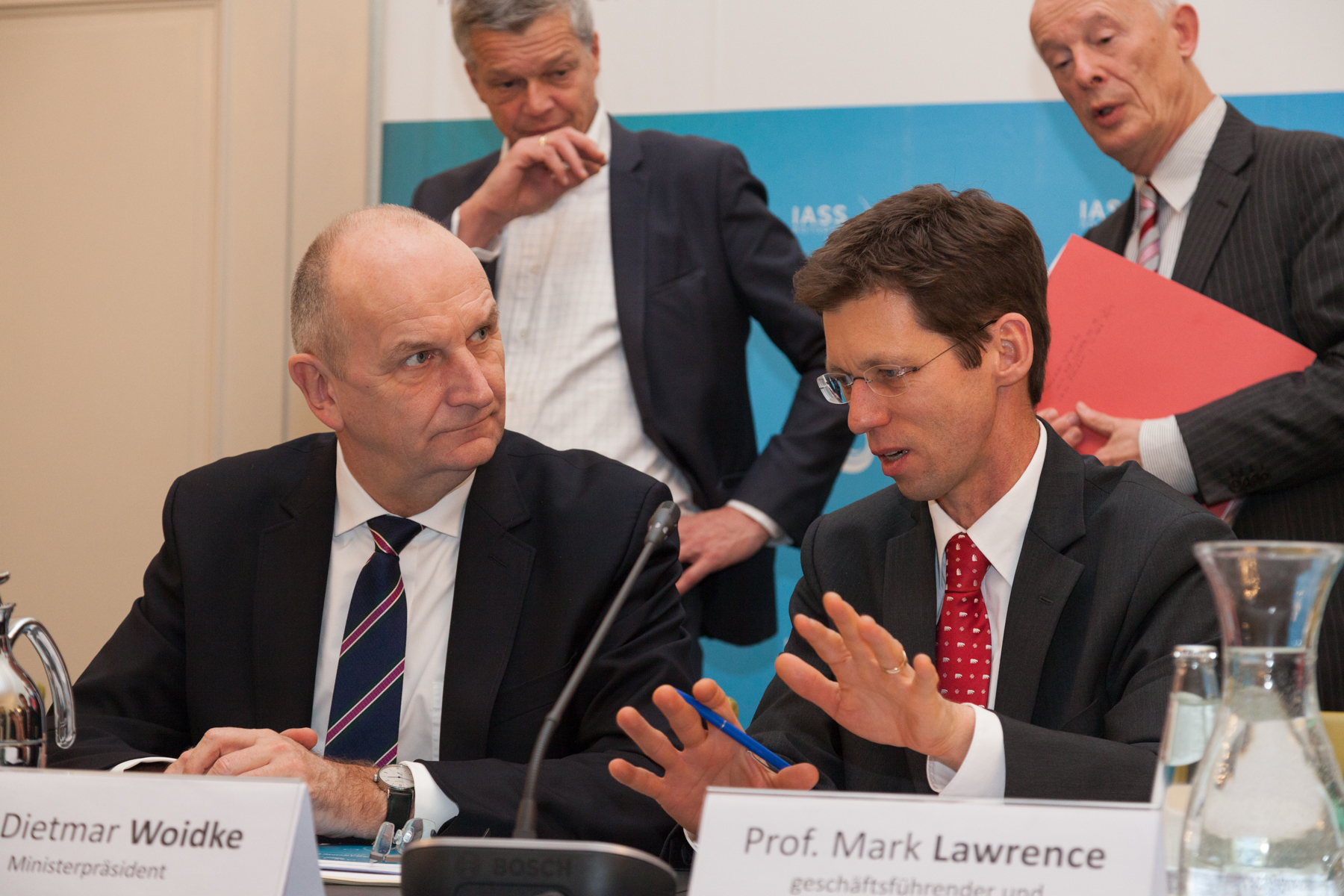 IASS Director Mark Lawrence in conversation with the Governor of Brandenburg, Dietmar Woidke