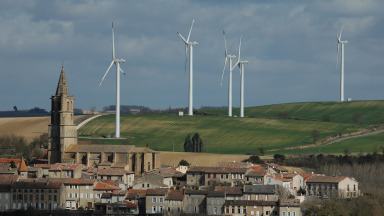 Wind turbines on the outskirts of Avignon: By 2050, Europe is to become a climate-neutral continent.